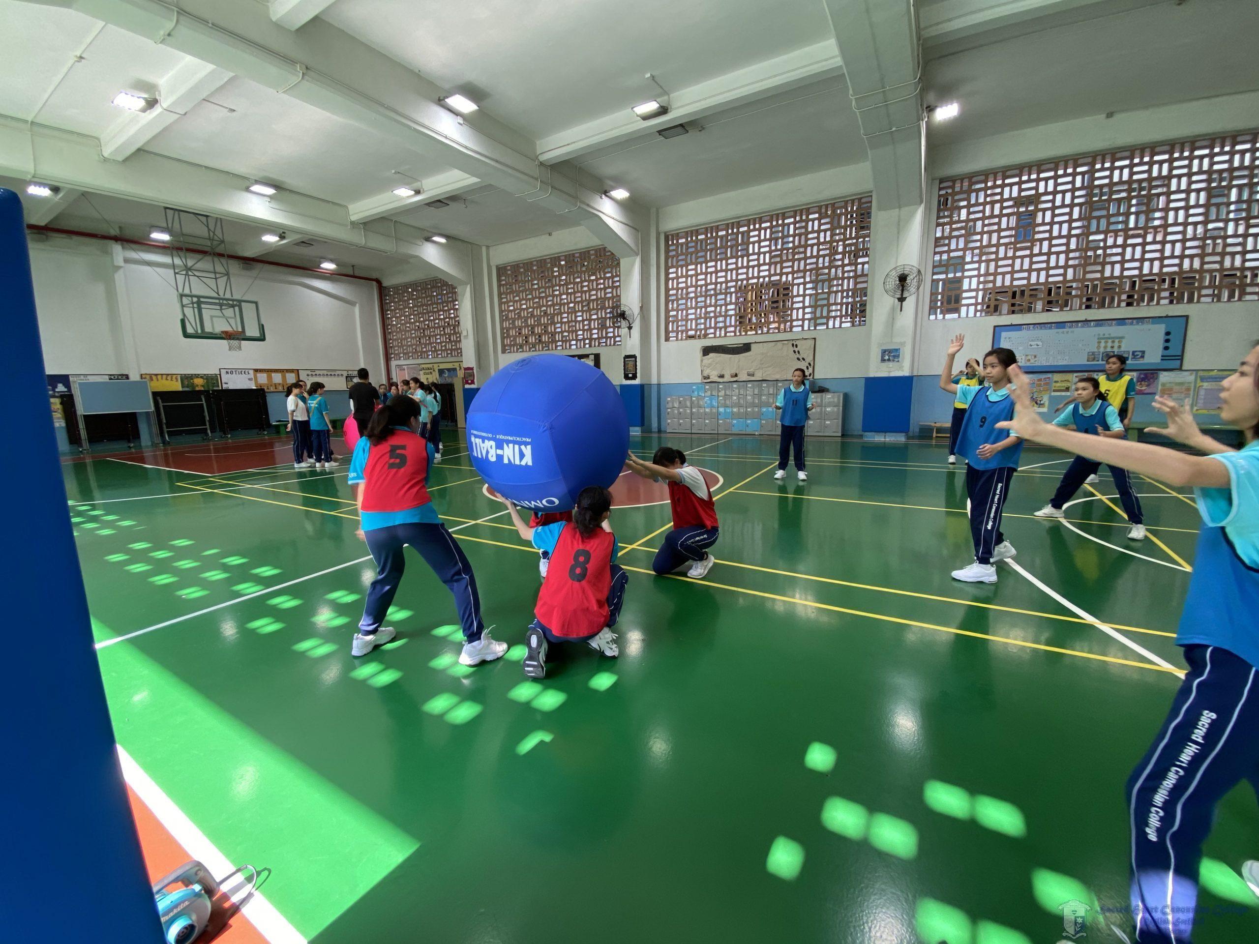 學生體驗健球運動