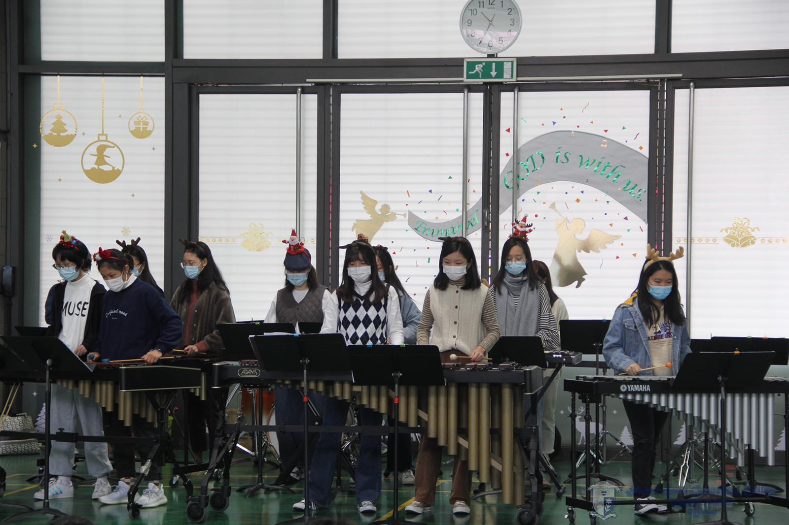 音樂學會的敲擊樂表演