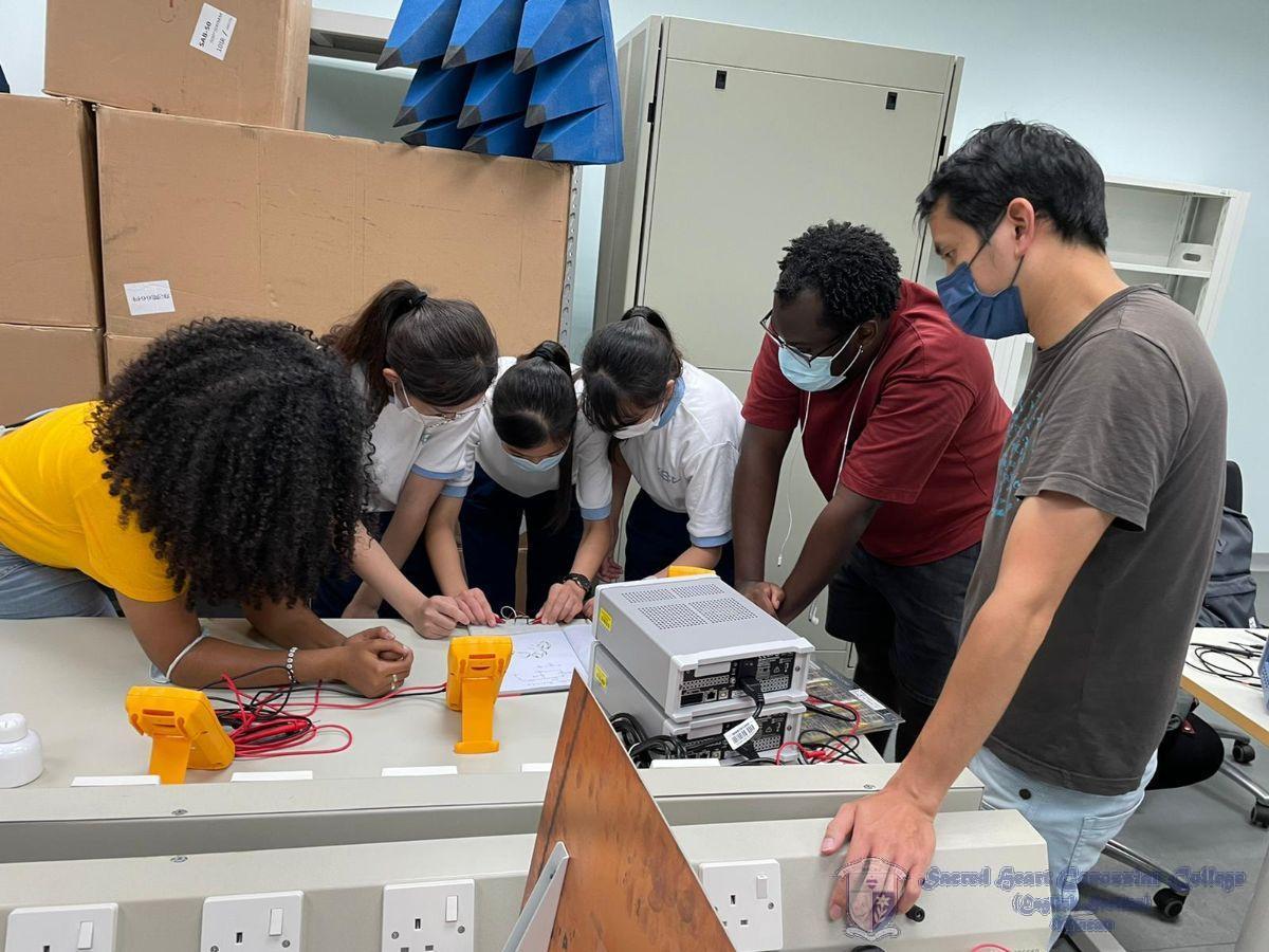本校學生與澳門大學研究生一同鑽研無線電通訊技術
