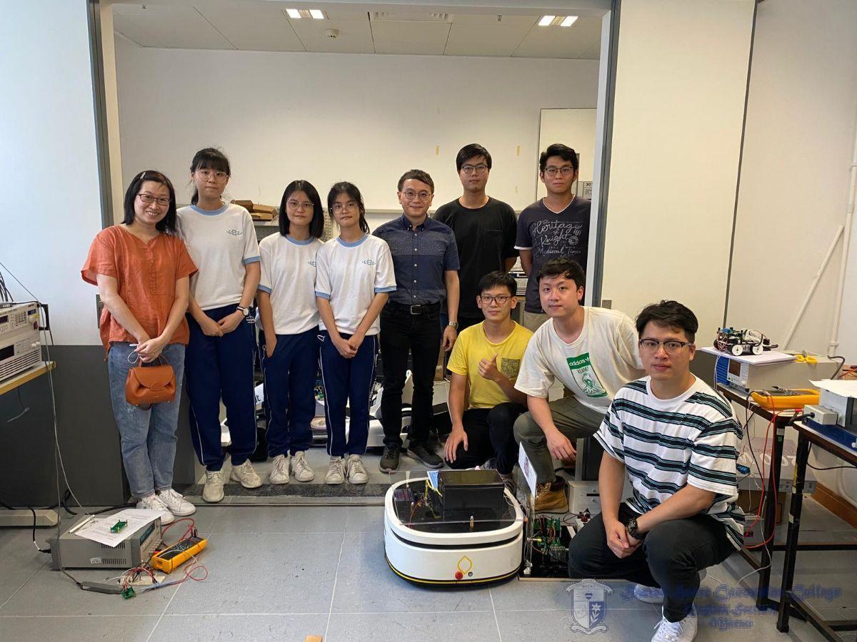 本校蔣副校及師生與澳門大學譚錦榮教授在微電子實驗室合照留念