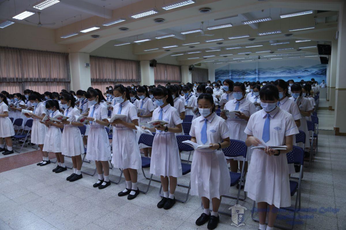 參與同學用心聆聽天主聖言